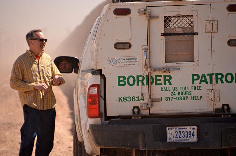 Professor Joe Nevins talks to a Border Patrol agent