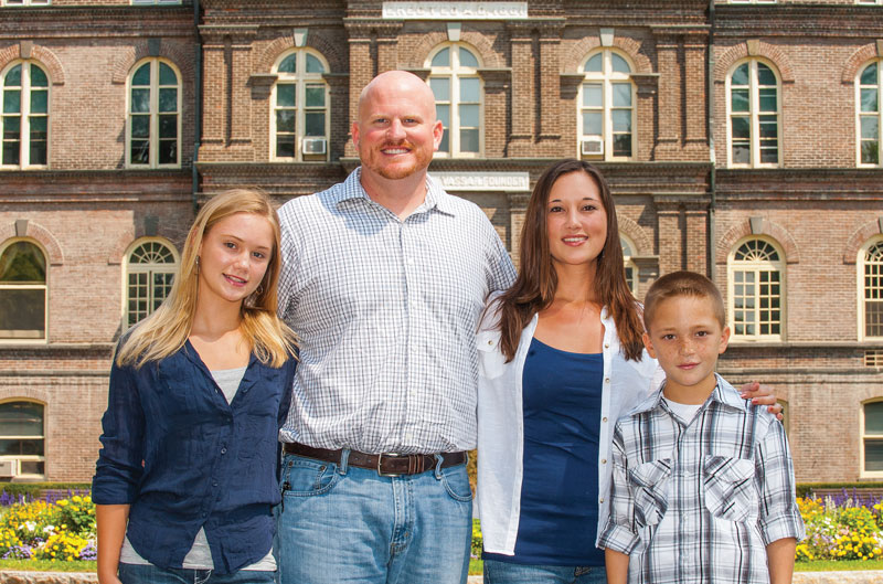David Carrell, his wife Tori, and their children Lexus and David.